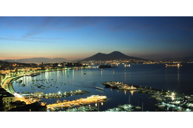 PanoramaGulf of Naples at night